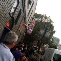 do people wait in lines this long for doughnuts? apparently they do for Voodoo doughnuts