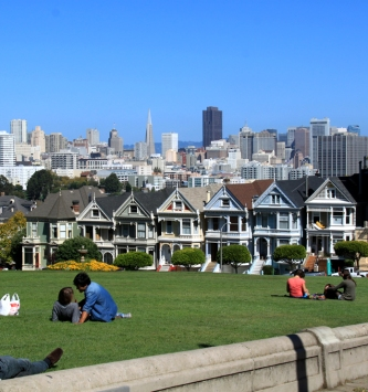 Couldn't resist driving by the Painted Ladies! (doesn't that look like Rebecca and Uncle Jessie making out in the lawn?)