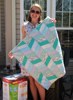 the beautiful mama with her new quilt!